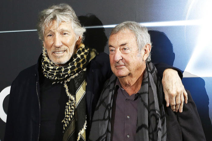 roger-waters-se-uni-a-nick-mason-para-tocar-set-the-controls-for-the-heart-of-the-sun-noticias-sin-categoria